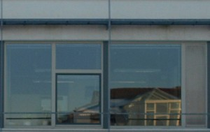 Orthogonal korrekt freigestelltes Fassadenelement